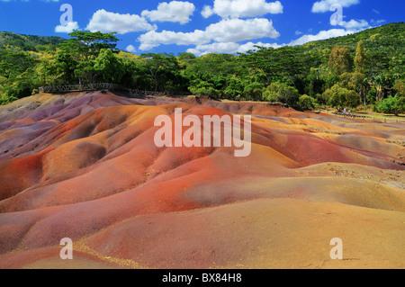 La mundialmente famosa Terres des Sept Coleurs (Seven Coloured Earth) en Chamarel, Rivere Noire (Río Negro), Mauricio.