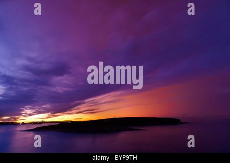 Crepúsculo en la bahía de Santander (España)