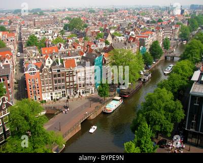 Vista de Jordaan, calles y canales de Amsterdam Westerkerk desde la torre del reloj de 2008