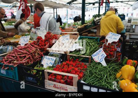 Stand de mercado de Rialto, Venecia, Italia