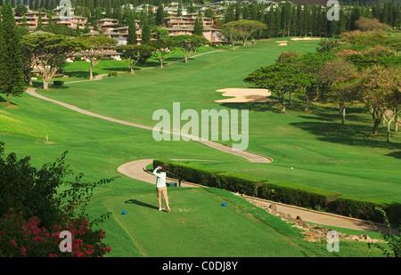 Golf en Kapalua Bay, con el Curso de Golf Villas con vistas al verde; Resort Kapalua, Maui, Hawaii.