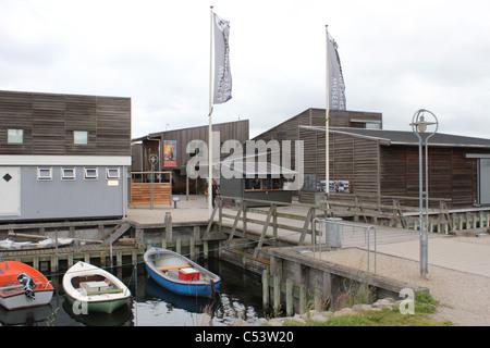Entrada al Museo de los Barcos Vikingos (Vikingeskibsmuseet) en Roskilde, Dinamarca