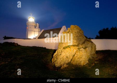 Costa sur, el Faro, luz-house, St Catherins, St Catherines, pintura de luz, la Isla de Wight, Inglaterra, Reino Unido.