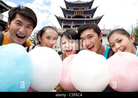 Cinco amigos con Cotton Candy, Dali