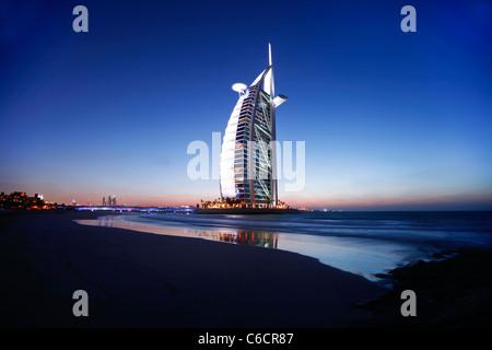 Hotel Burj Al Arab, Dubai, Emiratos Árabes Unidos. Foto de stock