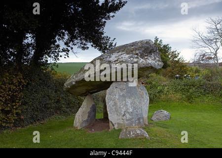 Carreg Coetan Arthur, cámara mortuoria, Newport, Ceredigion, Gales, Reino Unido