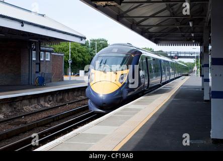 Javelin Sureste de trenes de alta velocidad tren 1 HS1 140 mph hechas por Hitachi 395 Clase Broadstairs Station Kent UK