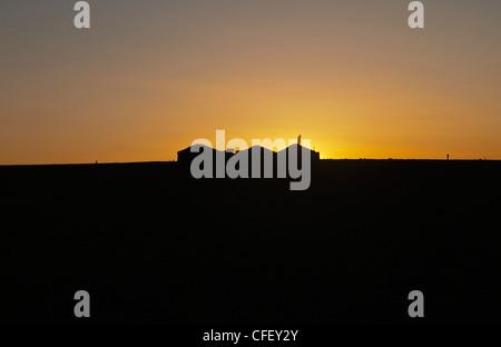 Gers nómada al amanecer en el desierto de Gobi de Mongolia Foto de stock