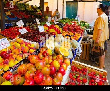 Mercado de frutas y verduras, Rialto, Venecia, Véneto, Italia, Europa