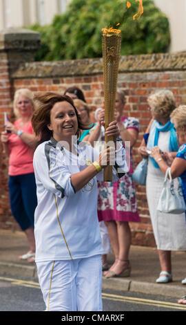 El 5 de julio de 2012, Claudia Copyright 2012 Gannon, día 48 Antorcha Olímpica la antorcha olímpica se dirige a la ciudad costera de Suffolk Aldeburgh, Sarah Corbett, #Londres2012TorchRelay