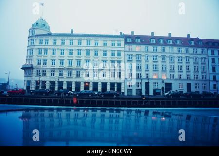 Nyhavn, Copenhague, Dinamarca - Arquitectura en la mañana