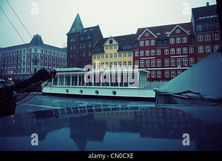 Mañana de invierno sombrío en Copenhague