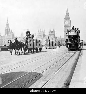 El puente de Westminster y las Casas del Parlamento, Londres, Inglaterra
