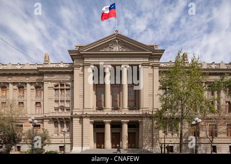 Edificio de la Corte Suprema de Chile; el Palacio de Justicia, tribunales de justicia, en Santiago de Chile