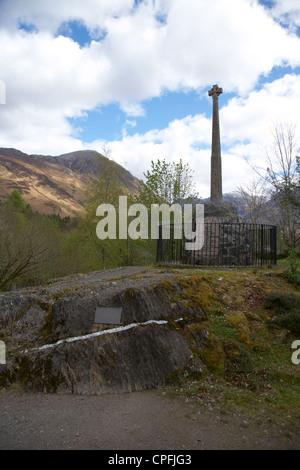 Glencoe masacre memorial en Glen Coe Highlands de Escocia uk