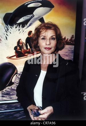 Berger, Senta, * 13.5.1941, actriz austriaca, de media duración, como embajadora de UNICEF, en la presentación preliminar de la película 'Free Willy II' en Munich, agosto de 1995,