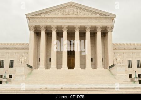 Edificio de la Corte Suprema de los Estados Unidos en Washington DC, Estados Unidos.