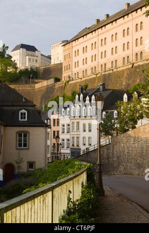 Ver en el barrio 'Grund' de la ciudad de Luxemburgo con el río alzette
