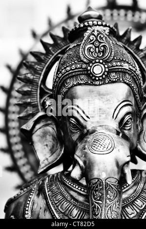 El Señor Ganesha estatua. Monocromo Foto de stock