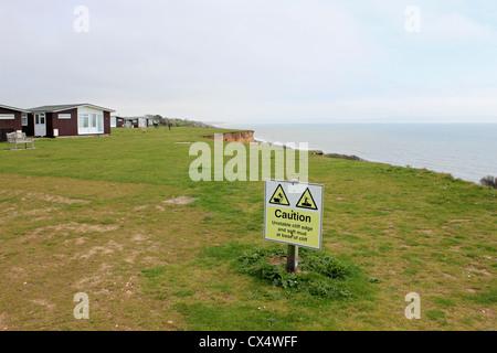 Cliff erosión entre Barton sobre mar y Highcliffe, Dorset, Inglaterra