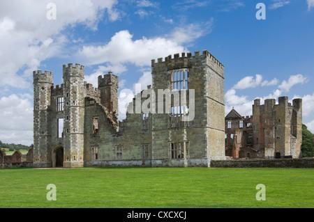 Cowdray Castillo, que data del siglo XVI, Midhurst, West Sussex, Inglaterra, Reino Unido, Europa