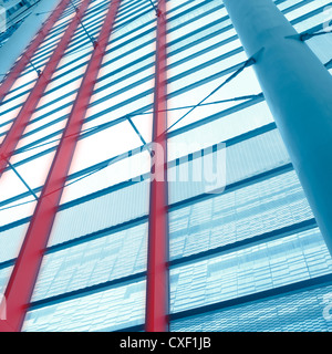 Edificio de oficinas de cristal de arquitectura Foto de stock