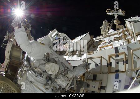 El astronauta de la NASA Sunita Williams Expedición, ingeniero de vuelo de la Estación Espacial Internacional
