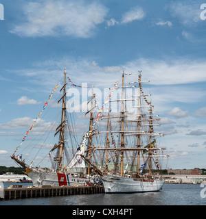 New London Connecticut nosotros el 9 de julio de 2012: La Guardia Costera de EE.UU. buque de entrenamiento Águila Foto de stock