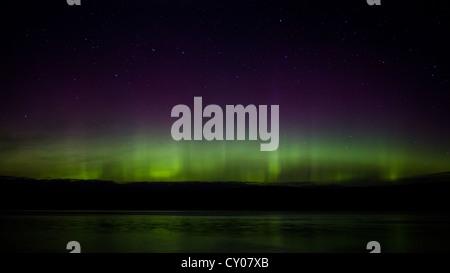 Luces del norte la aurora boreal en invierno rural foto for La isla interior torrent