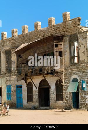 Moucharabieh sobre un edificio otomano en Massawa, Eritrea