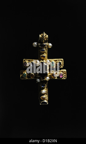 La Cruz de Roskilde. C.1100. Relicario bizantino cruz de oro. Catedral de Roskilde. Museo Nacional. Copenhague. Dinamarca.