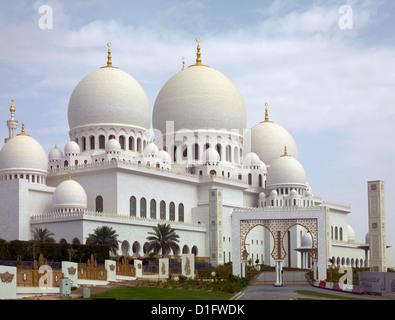 Mezquita Sheikh Zayed, Abu Dhabi, Emiratos Árabes Unidos, Oriente Medio Foto de stock