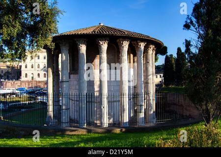 El Tempio della Fortuna Viril e di Ercole Vincitore. Templo de Hércules Víctor. Roma Italia