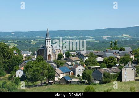 Aldea FAVEROLLES Cantal Auvernia Francia