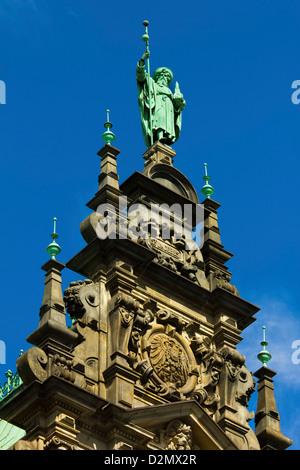 Ornamentada arquitectura neo-renacentista del Hamburgo Rathaus, el ayuntamiento y la sede del gobierno, inaugurado 1886, Hamburgo, Alemania.