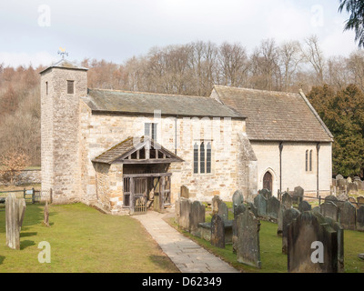 El sajón del siglo XI, la iglesia de San Gregorio Minster Kirkbymoorside Kirkdale North Yorkshire Foto de stock