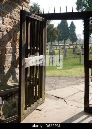 Porche del siglo XI La iglesia sajona de San Gregorio Minster Kirkbymoorside Kirkdale North Yorkshire Foto de stock