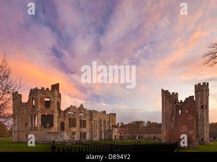 Ruinas, Midhurst Cowdray.