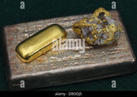 Barras de lingotes de oro y plata (lingotes) y alto grado de oro/Ejemplar de Cuarzo, de Nevada, EE.UU.