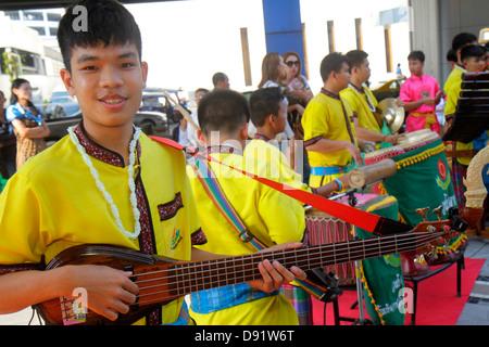 Tailandia Sudeste de Asia Tailandia Bangkok Pathum Wan Phaya Thai Road MBK Centro complejo evento mostrar rendimiento artistas estudiante stude estudiante