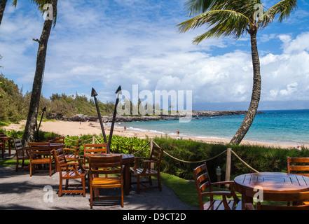 El Beach House Restaurant tiene vistas de D.T. Fleming Beach en Kapalua, Maui