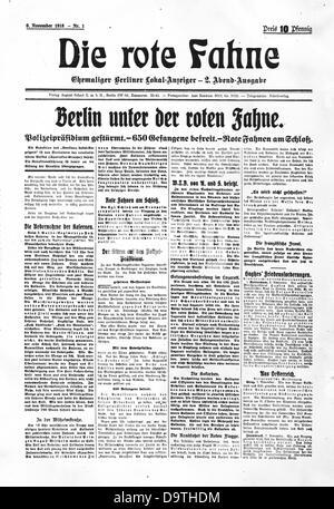"""Revolución Alemana 1918/1919: portada de la primera edición del periódico 'Die Rote Fahne' ('La bandera roja"""") se ilustra con las noticias """"Berlín bajo la bandera roja"""", """"el cuartel general de la policía ha tomado por asalto' y 'banderas rojas en el palacio"""". 'Die Rote Fahne' fue fundada por Karl Liebknecht y Rosa Luxemburg como el órgano de publicación de la Liga Espartaco y se convirtió en un órgano central del Partido comunista de Alemania (KPD) después de su constitución, el 1 de enero de 1919. Foto: Berliner Verlag/Archiv"""