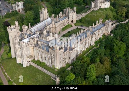 ARUNDEL CASTLE (vista aérea). Castillo medieval en West Sussex, Inglaterra, Gran Bretaña, Reino Unido.
