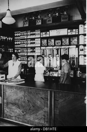 Comercio, tiendas, outlet de ventas 19 de la cooperativa, vista interior, Alemania, 1934, Derechos adicionales-Clearences Foto de stock