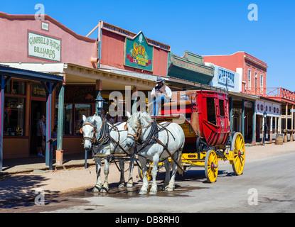 Paseo en diligencia en East Allen Street, Tombstone, Arizona, EE.UU.
