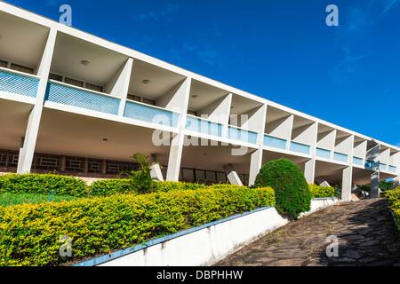 Hotel Tijuco concebido por el famoso arquitecto Oscar Niemeyer, Diamantina, en el estado de Minas Gerais, Brasil, América del Sur