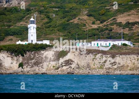 St Catherines Light House, Playa, Ciudad, vista desde el mar, Ventnor, en la Isla de Wight, Inglaterra, Reino Unido