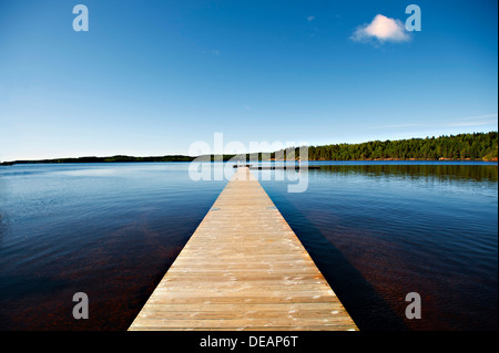 Paseo en un lago, cerca de los Boras, Lakeland, Suecia, Europa Central