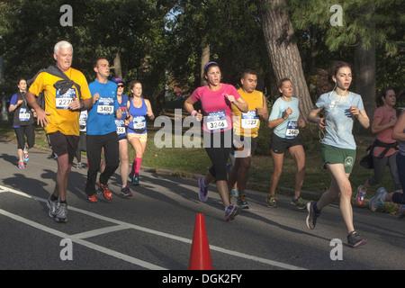 10K carrera de larga distancia en Prospect Park, Brooklyn, Nueva York.