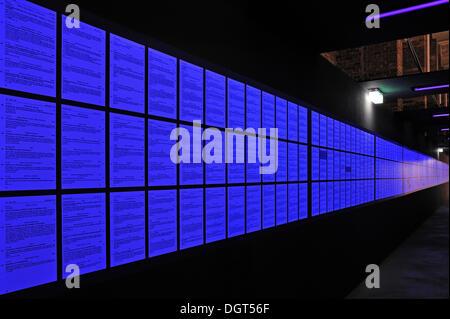 """Iluminado azul Aryanization leyes desde 1933 - 1945, la exposición """"Fascinación y terror"""", Centro de Documentación del Partido Nazi Rally"""